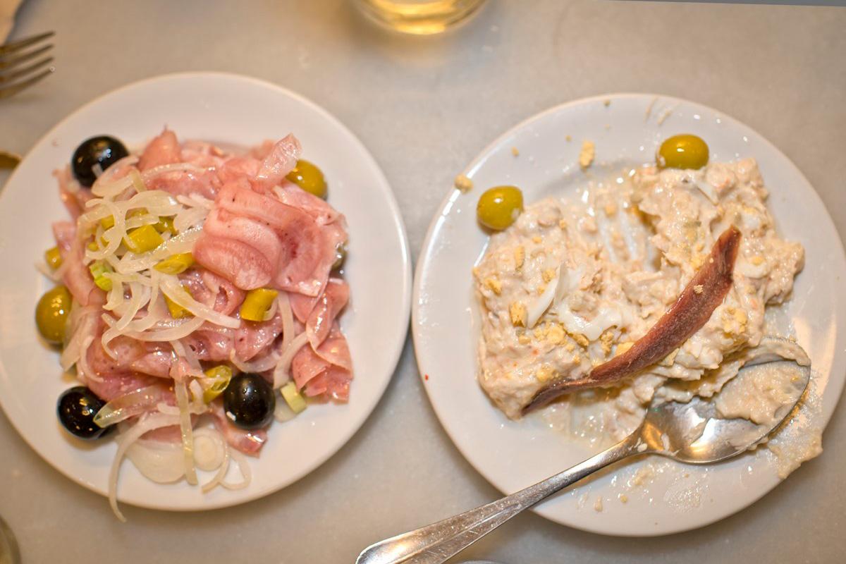 La ensaladilla de 'La Taberna Donostiarra' es uno de los clásicos de la ciudad.