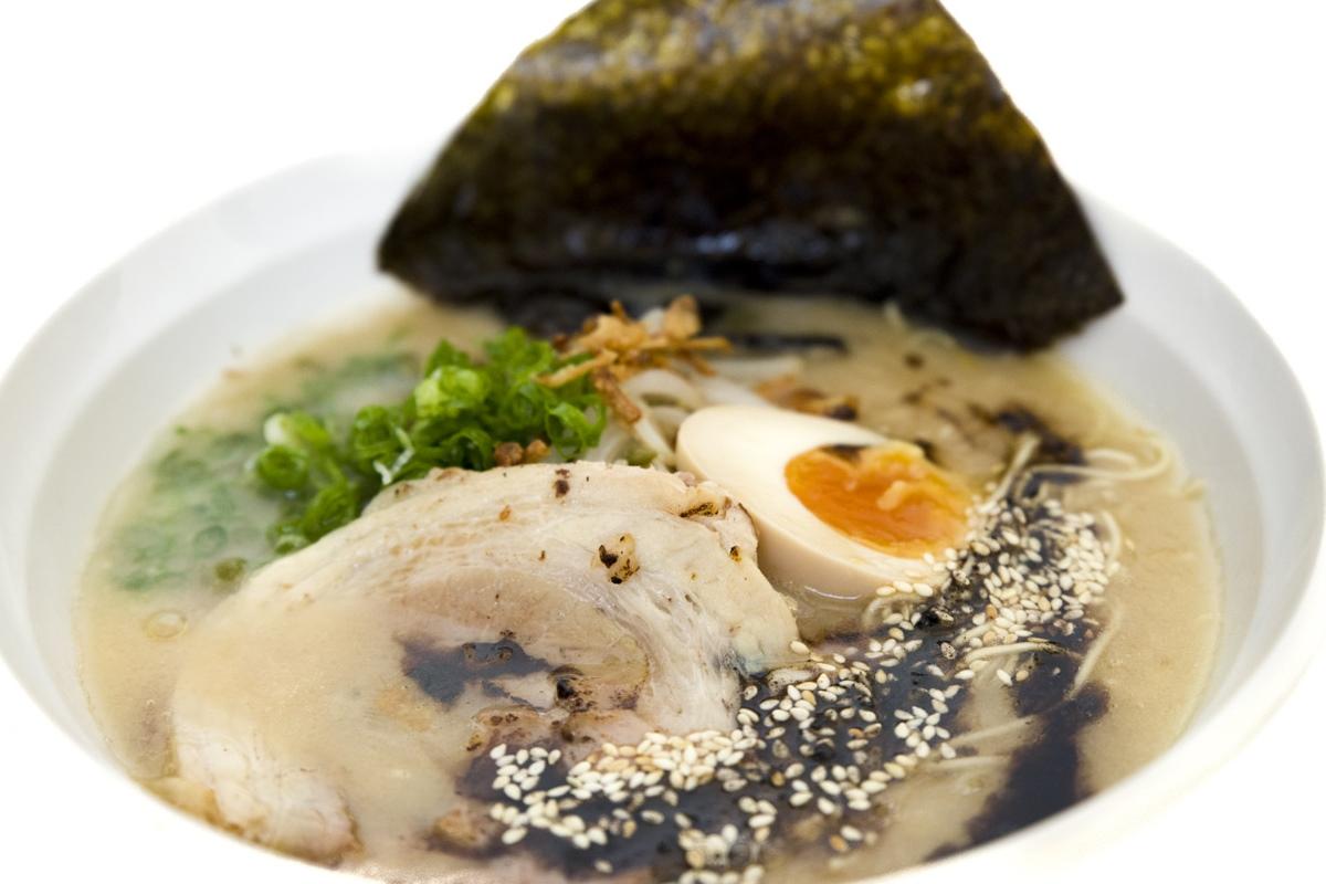 La comida japonesa más allá del sushi de 'Kosei Ramen'. Foto: Edu Rosa.