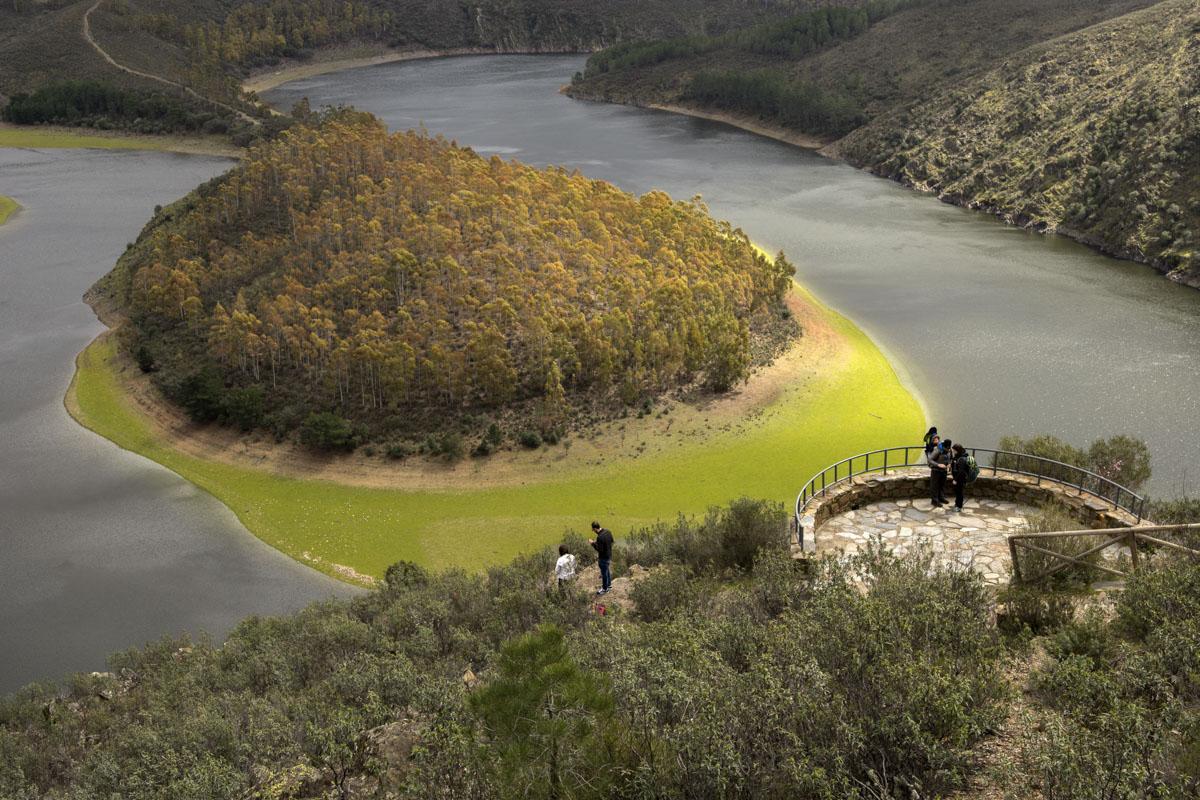 El meandro El Melero en Riomalo de Abajo es la joya natural de la comarca.