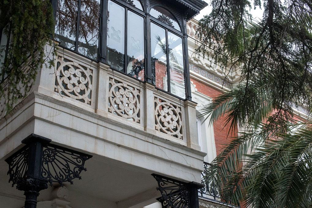 El balcón suspendido del salón Zurbarán.