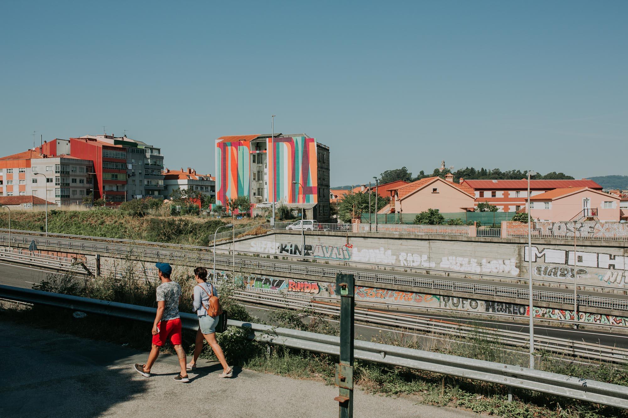 Vista del mural del colectivo Boa Mistura en la calle Gerardo Campos.