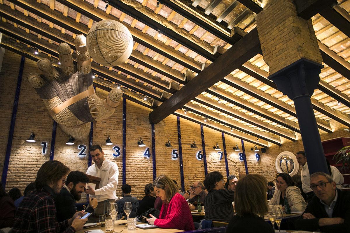 Un clásico del centro de Valencia que recupera deporte y gastronomía autóctona.