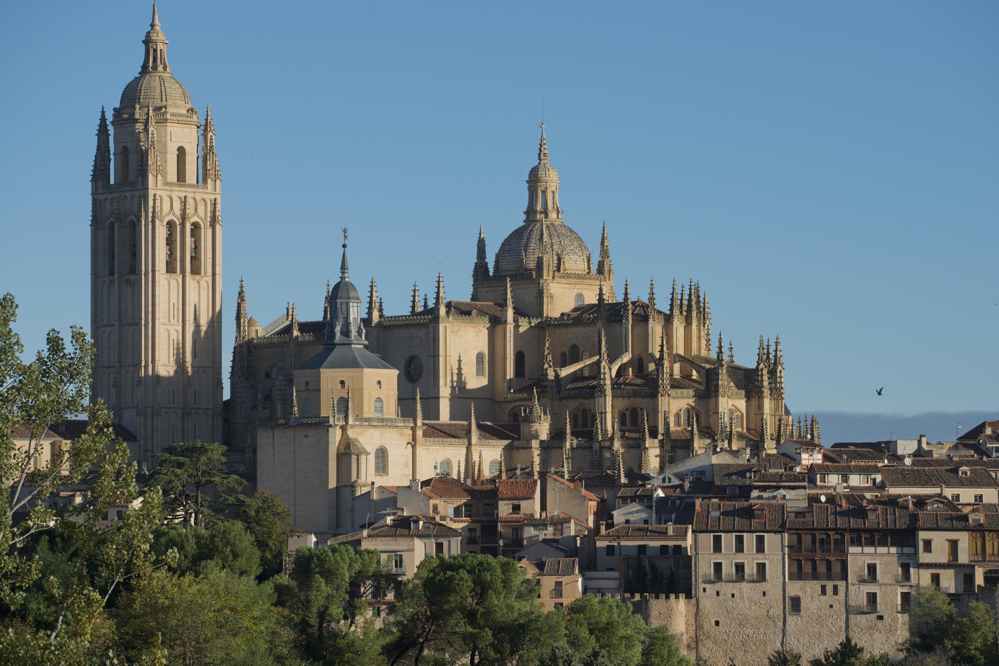 La catedral desde El Calvario, el inicio de la escritora británica.