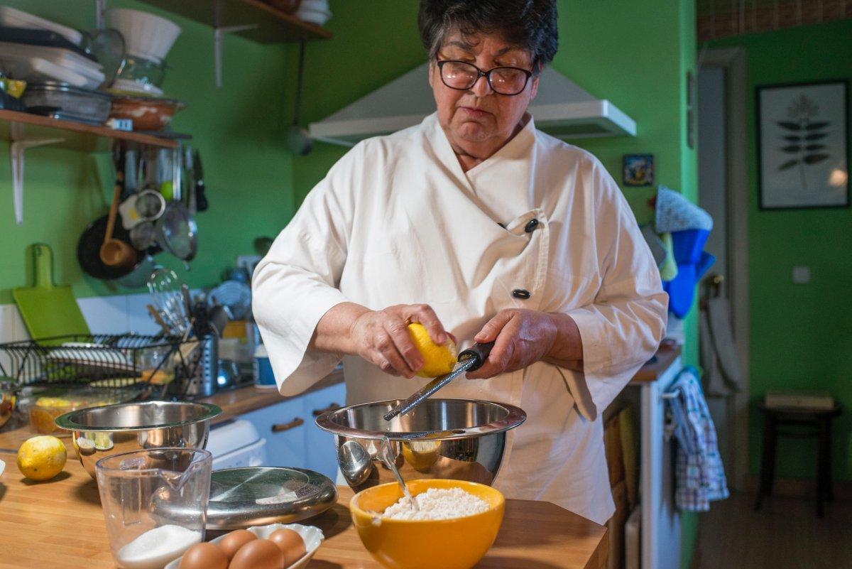 Preparando la masa del Roscón de Reyes