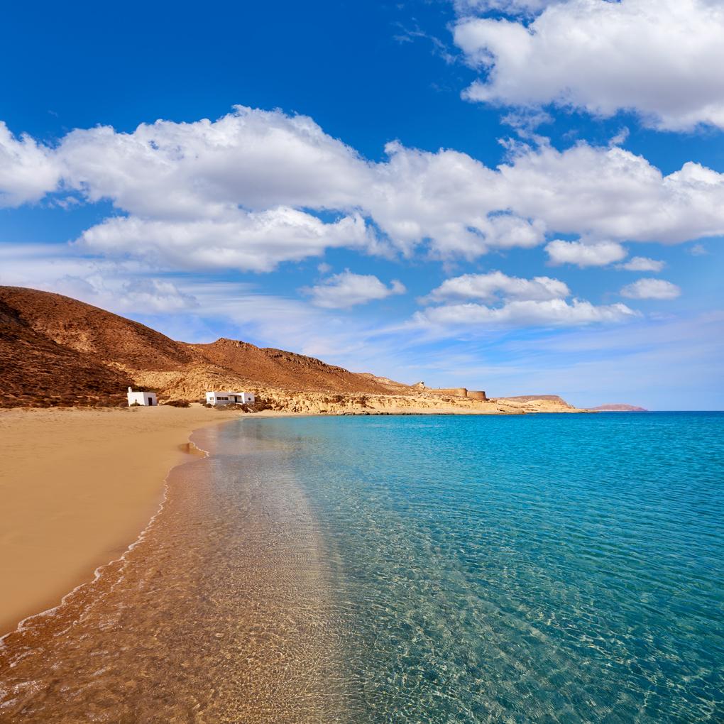 Playa del Playazo (Almería), un auténtico paraíso para los nudistas.