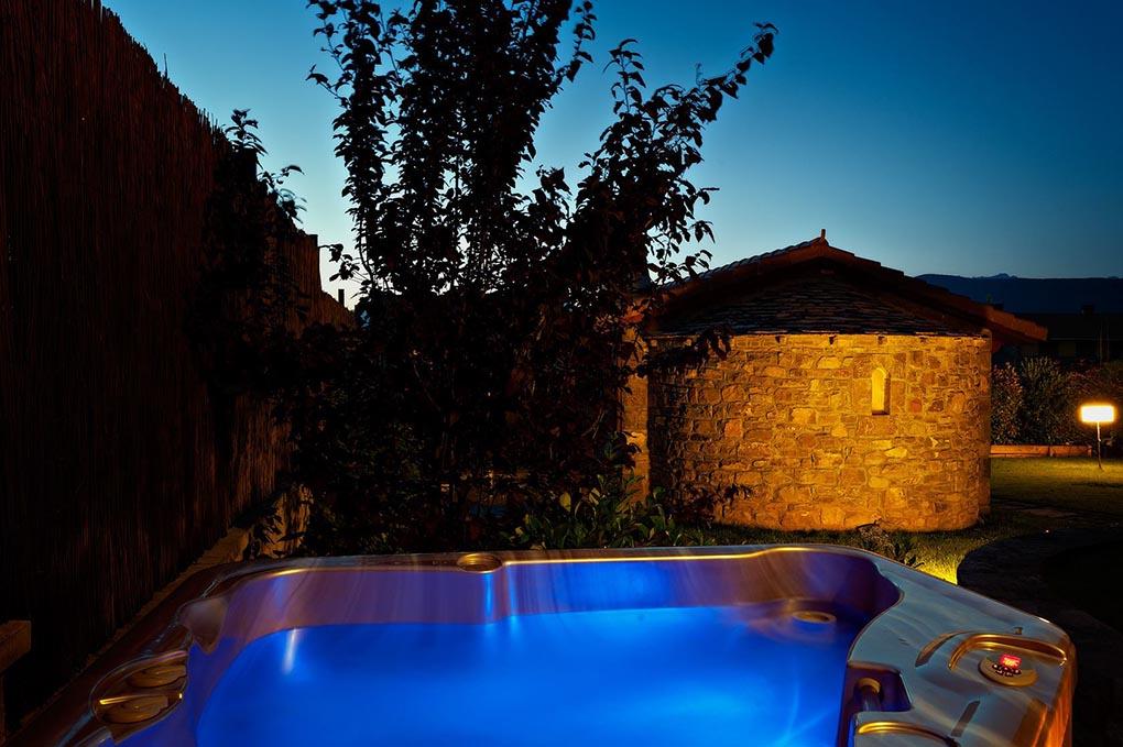 Para disfrutar de un baño caliente contra el frío, sólo hay que mirar al norte. Foto: Facebook Hotel Baresse.