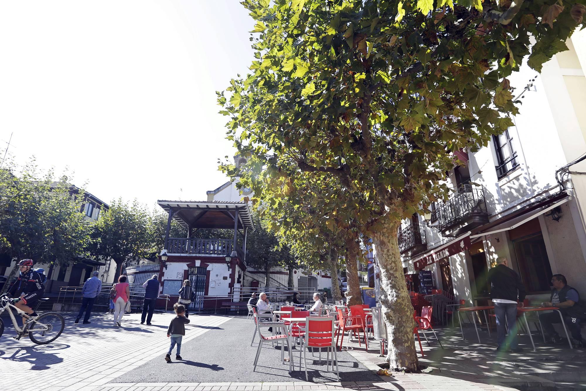 Plaza de la antigua Gallarta, actual Arboleda.