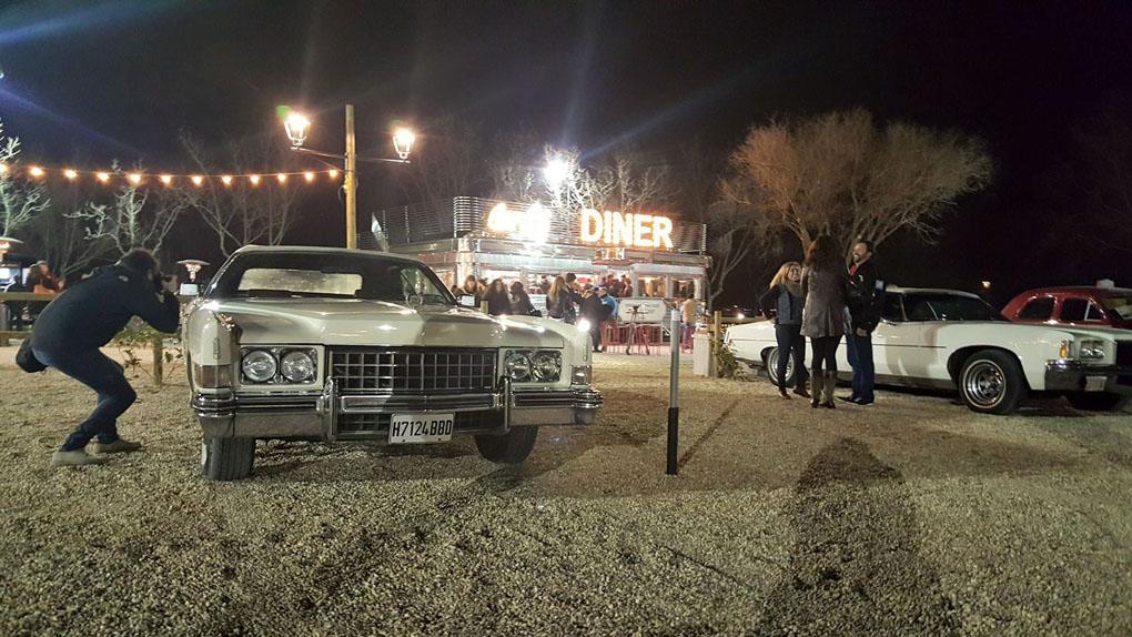 Un planazo para los cinéfilos. Foto: Facebook Autocine Madrid RACE.