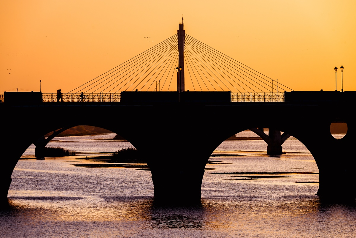 Tras múltiples reconstrucciones, la última versión del Puente Real, de 1994. Foto: Shutterstock
