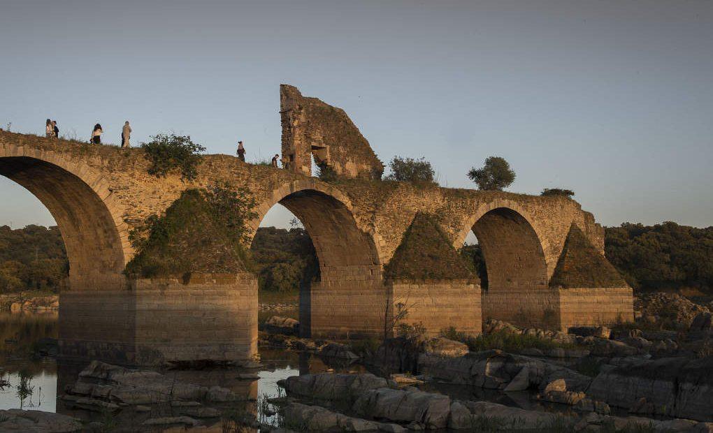 El puente de Ajuda, del siglo XVI, partido en dos desde que los españoles lo volaron en el siglo XVIII.