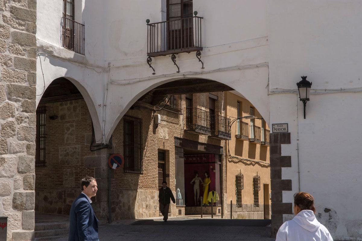 Arcos de Manzanillas y Tendezuelas en Puebla de Montalbán.