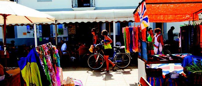 Mercadillo en las calles de Sant Francesc.