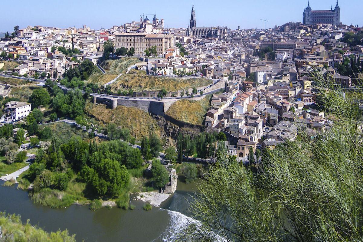 Vista de Toledo y el Tajo desde los Cigarrales.