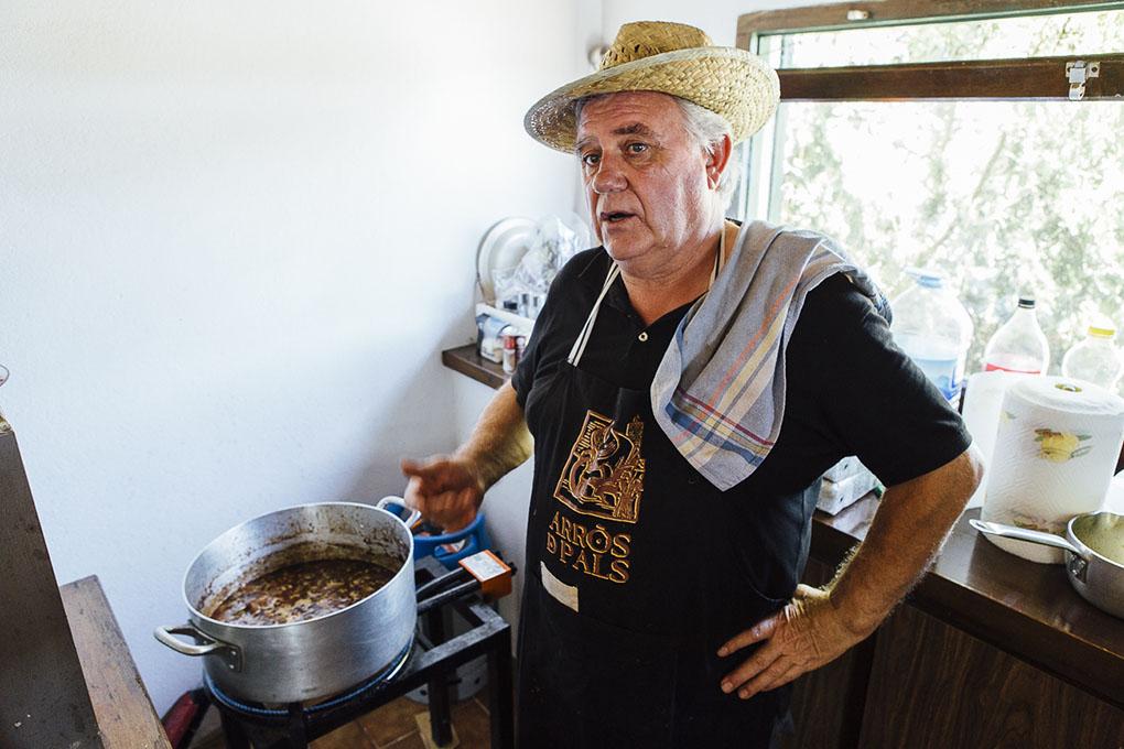 Joan Silvestre, payés, ex alcalde de Pals, y arrocero mayor de las fiestas locales.