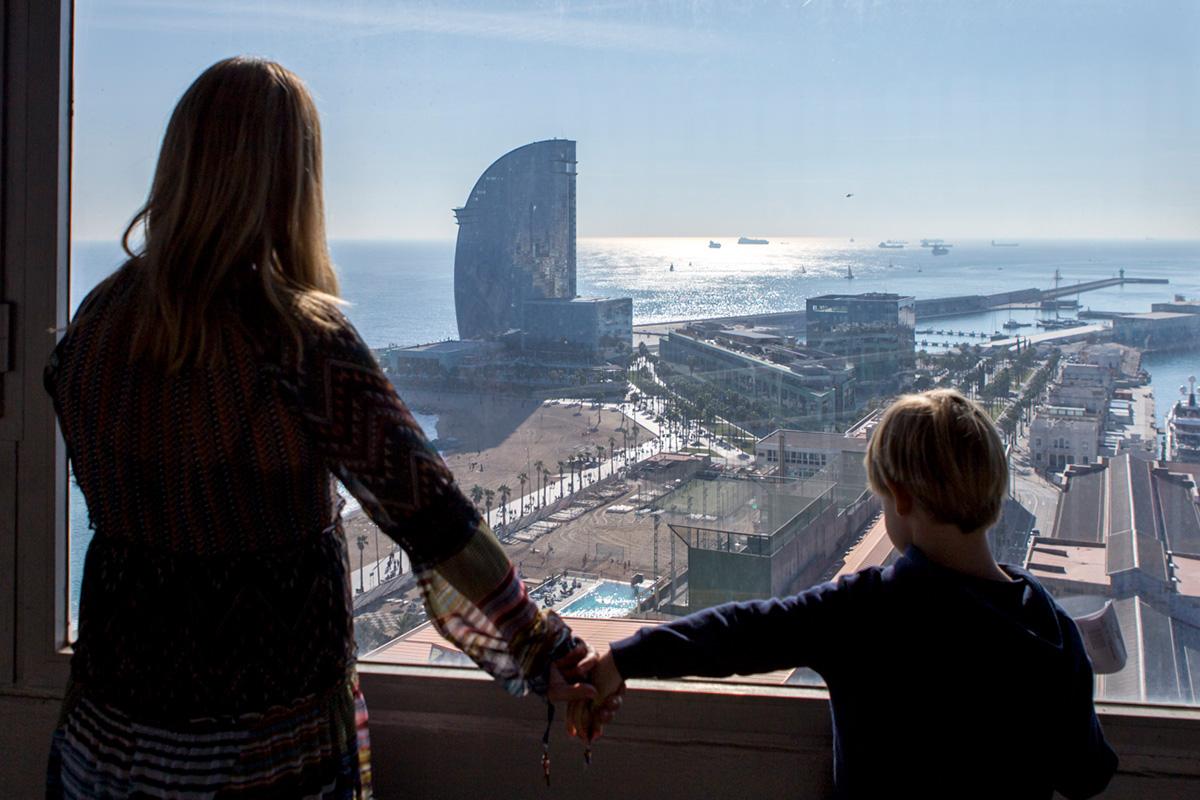 Desde la Torre de San Sebastián también se puede ver el Hotel W.