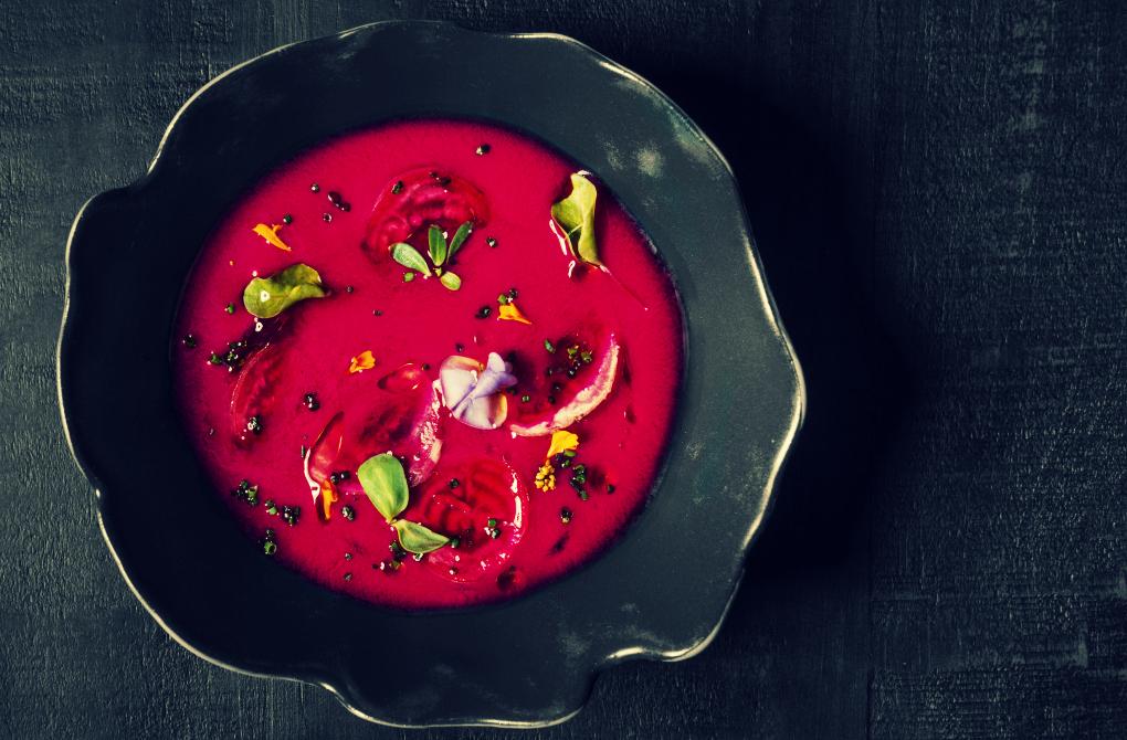 Gazpacho de remolacha de Cèleri. Foto: Bea Schulze