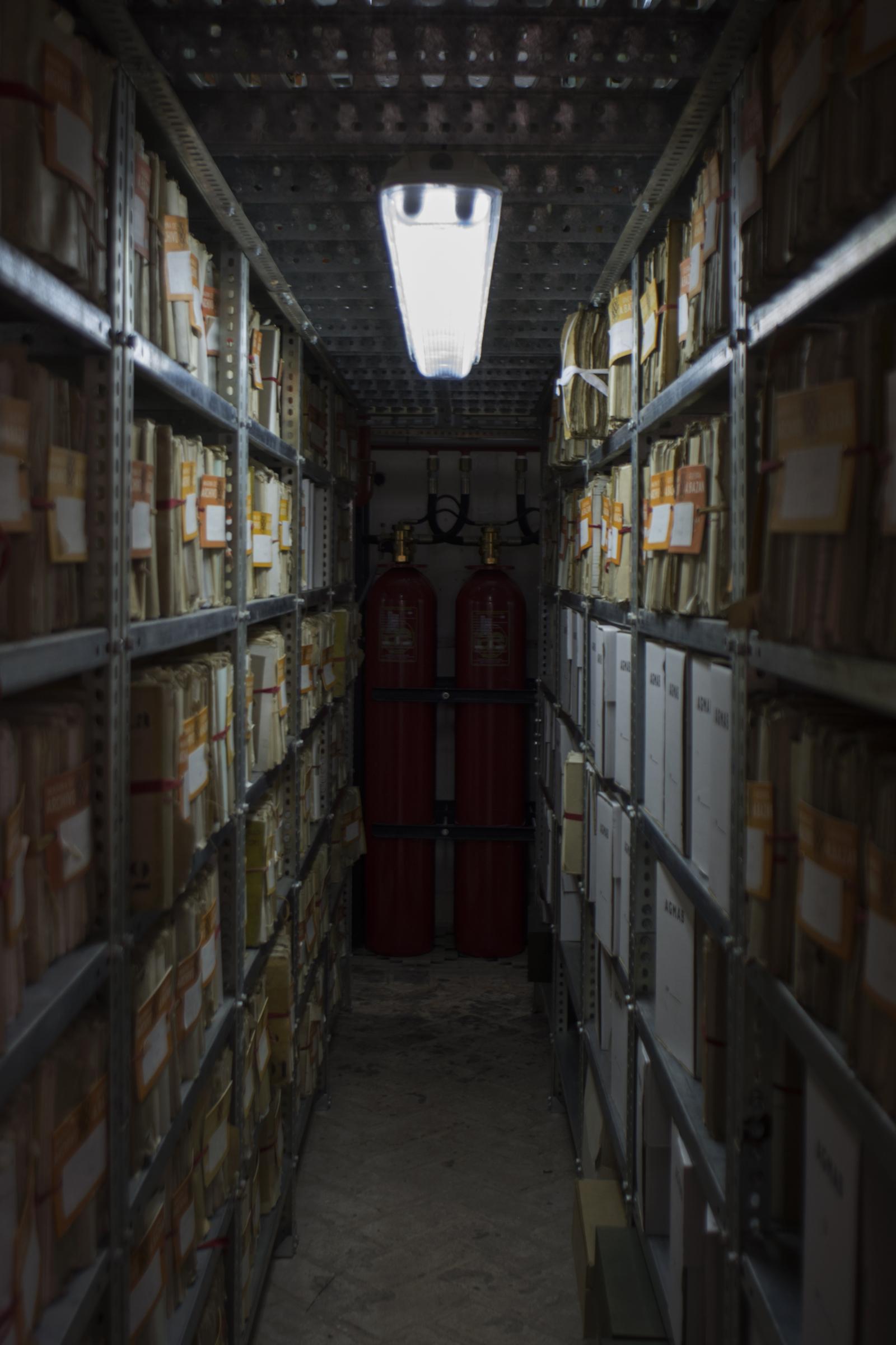 Numerosos documentos de la Marina. Foto: Manuel Ruiz Toribio.
