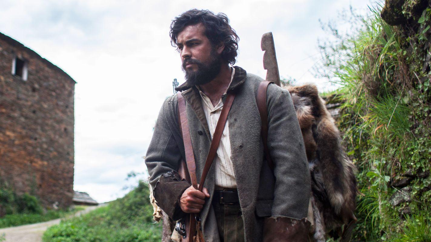 En el papel de Martinón, un cazador de lobos asturiano de los años 30.