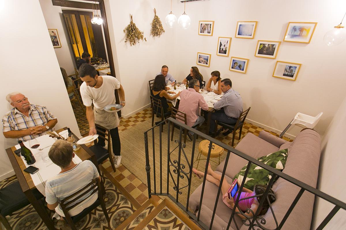 Los espacios coquetos del restaurante 'Volta i Volta' invitan a relajarse y disfrutar. Foto: Xavi Gutiérrez.
