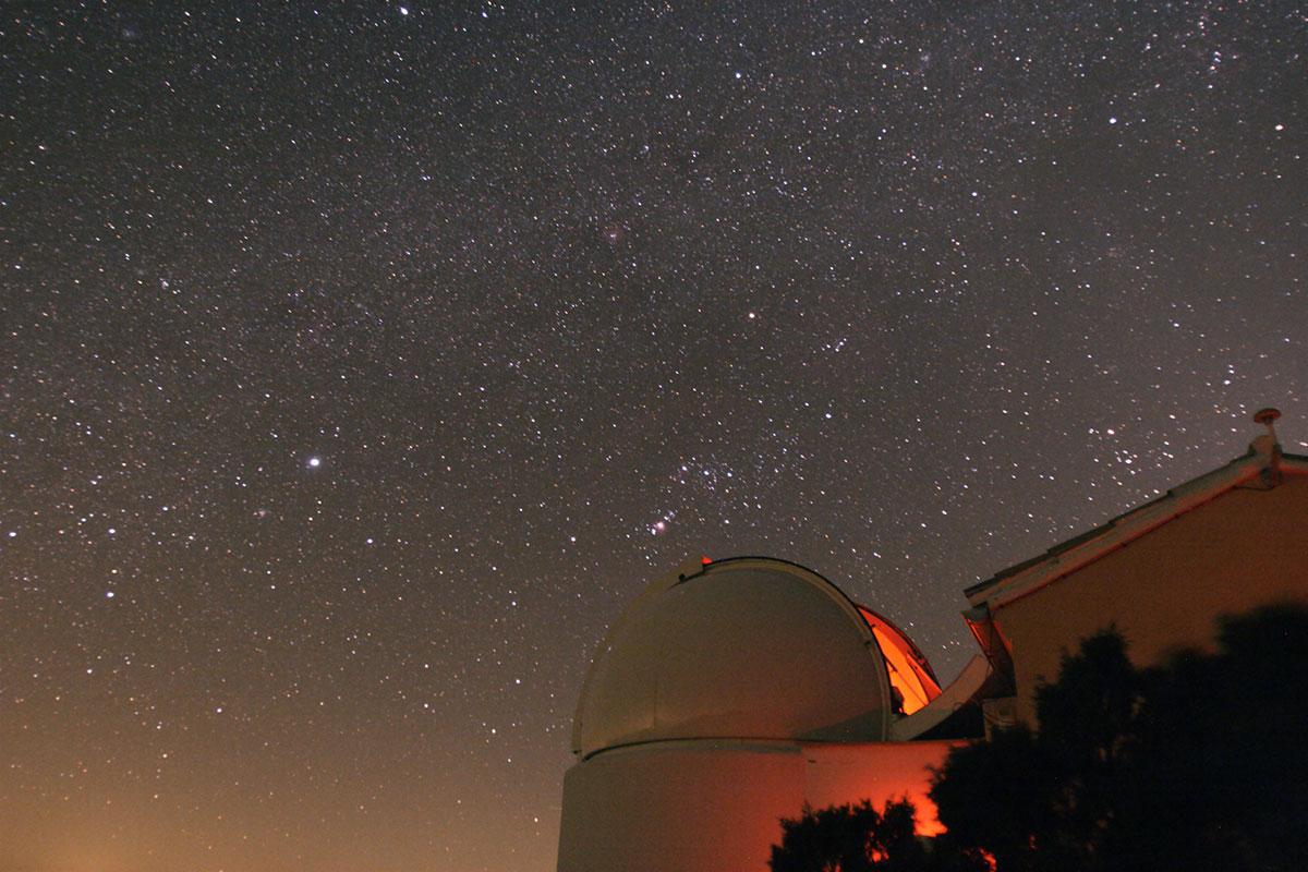 El cielo estrellado durante las noches en la localidad. Foto: Observatori Astronomic de la Universitat de València.