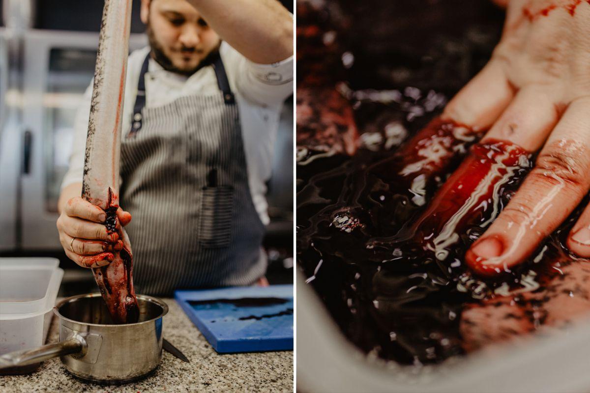 Michele Peroni, del restaurante Alborada, desangrando la lamprea,