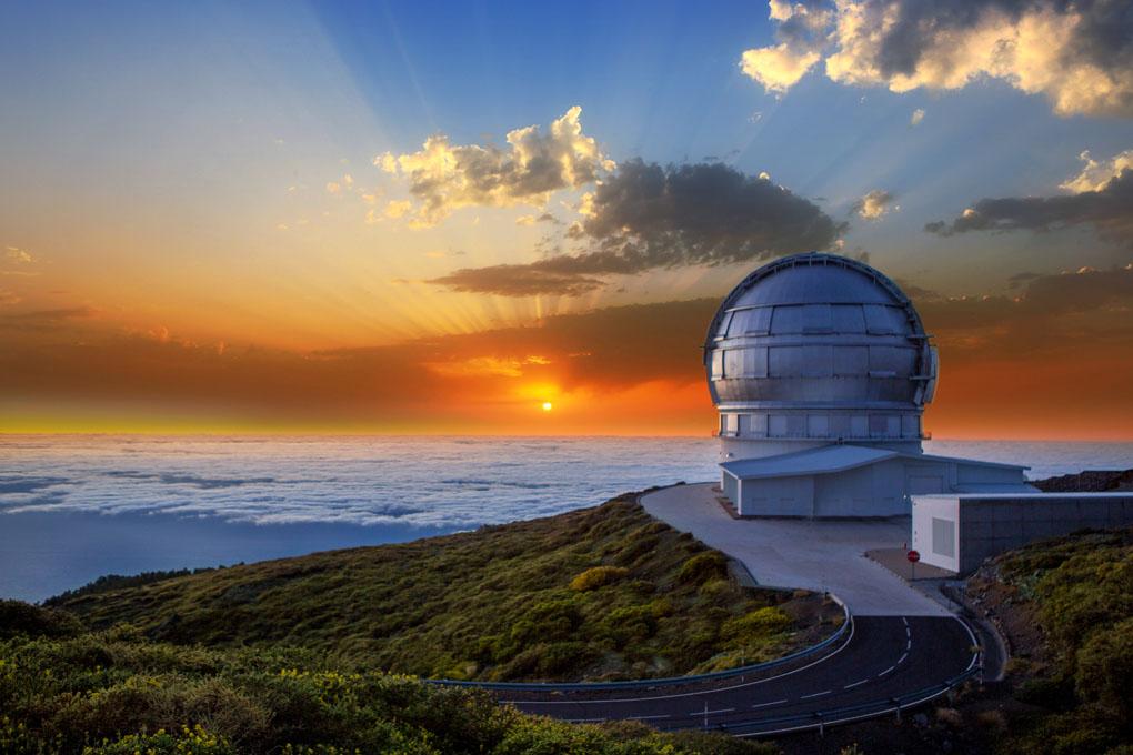 El Observatorio Roque de los Muchachos, en Tenerife. No hay cielo igual. Foto: Holbox. Shutterstock.