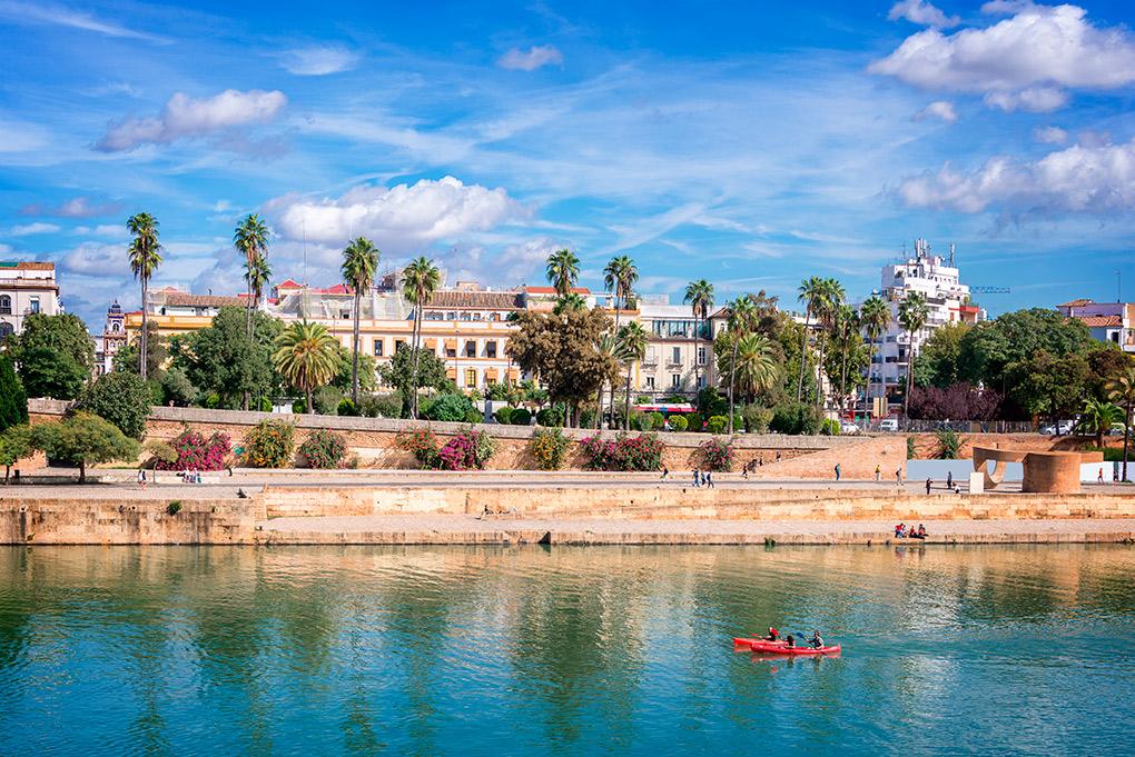 El Guadalquivir, el alma de Sevilla. Foto: Shutterstock.