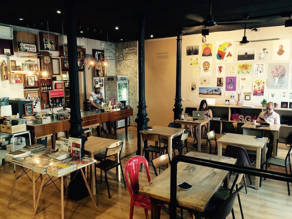 'Swinton Gallery' y 'Ciudadano Grant', espacio de creación y librería de arte urbano super apetecible. Foto: Facebook.