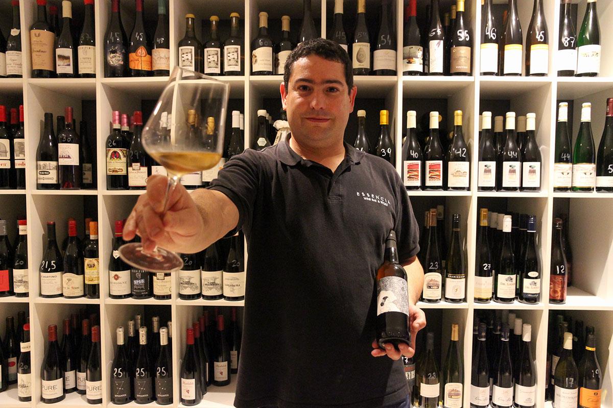 Dani Corman ofrece una nutrida oferta de vinos