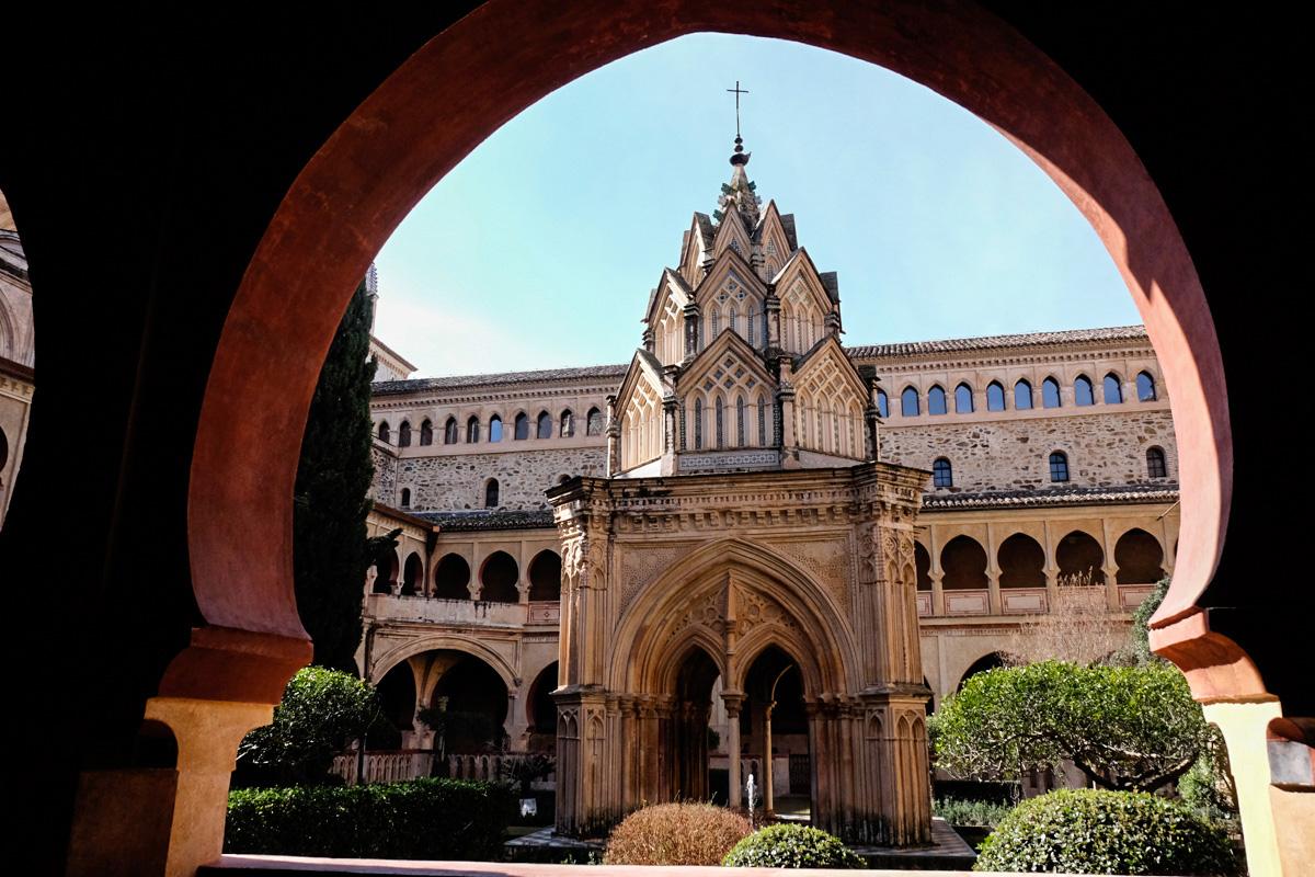 Claustro del Real Monasterio de Santa María de Guadalupe (Cáceres).