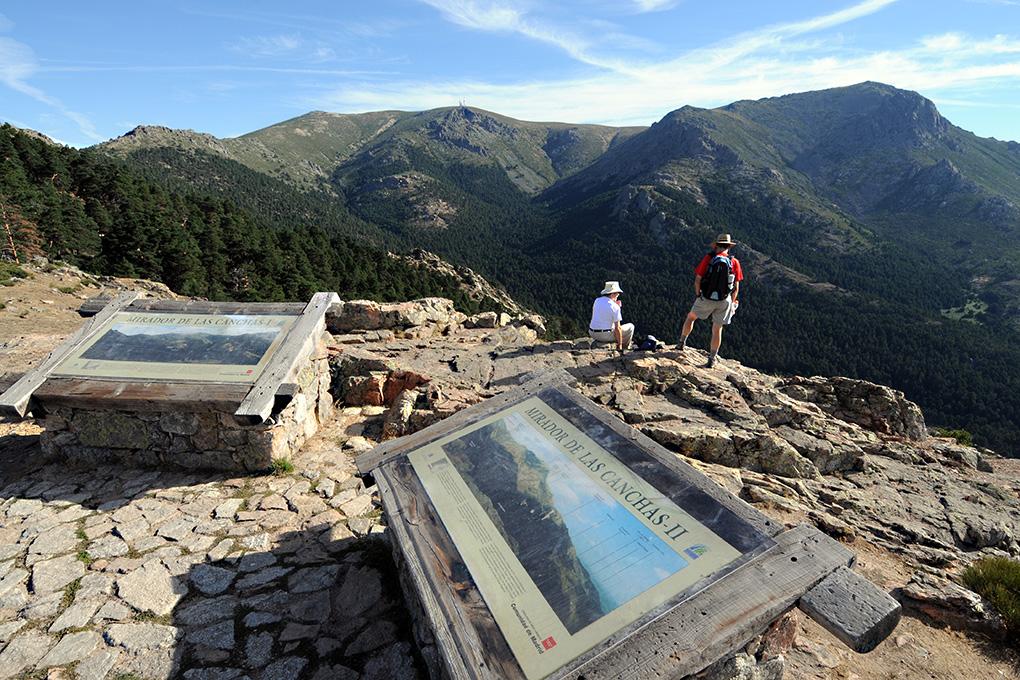 Espectacular mirador de Las Canchas en la sierra. Fotos: Alfredo Merino y Marga Estebaranz