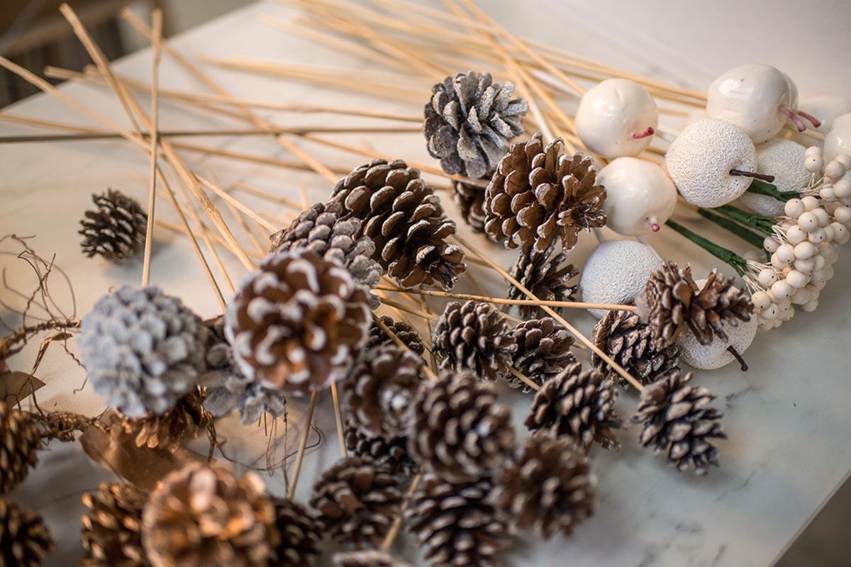 Piñas decoración navidad