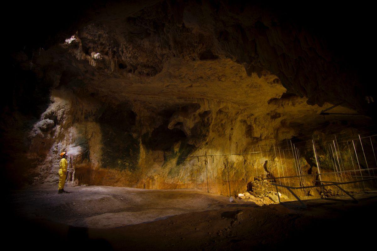 En el interior de la sala de la Torca, hoy cerrada por trabajos de investigación. Foto: Fundación Cueva de Nerja.