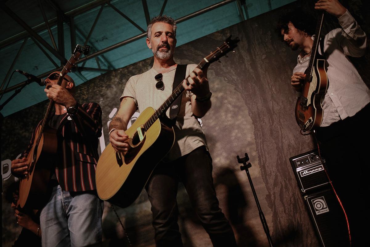 Un clásico del PortAmérica: Pepe Solla con la guitarra.