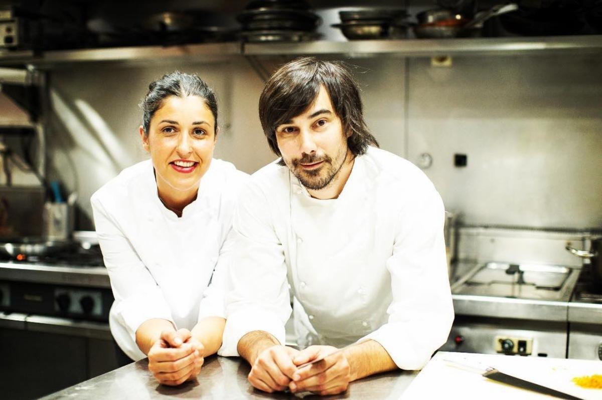 Unai Camba y Cristina Ybarra, en la cocina de 'Kuc'. Foto: 'Kuc'