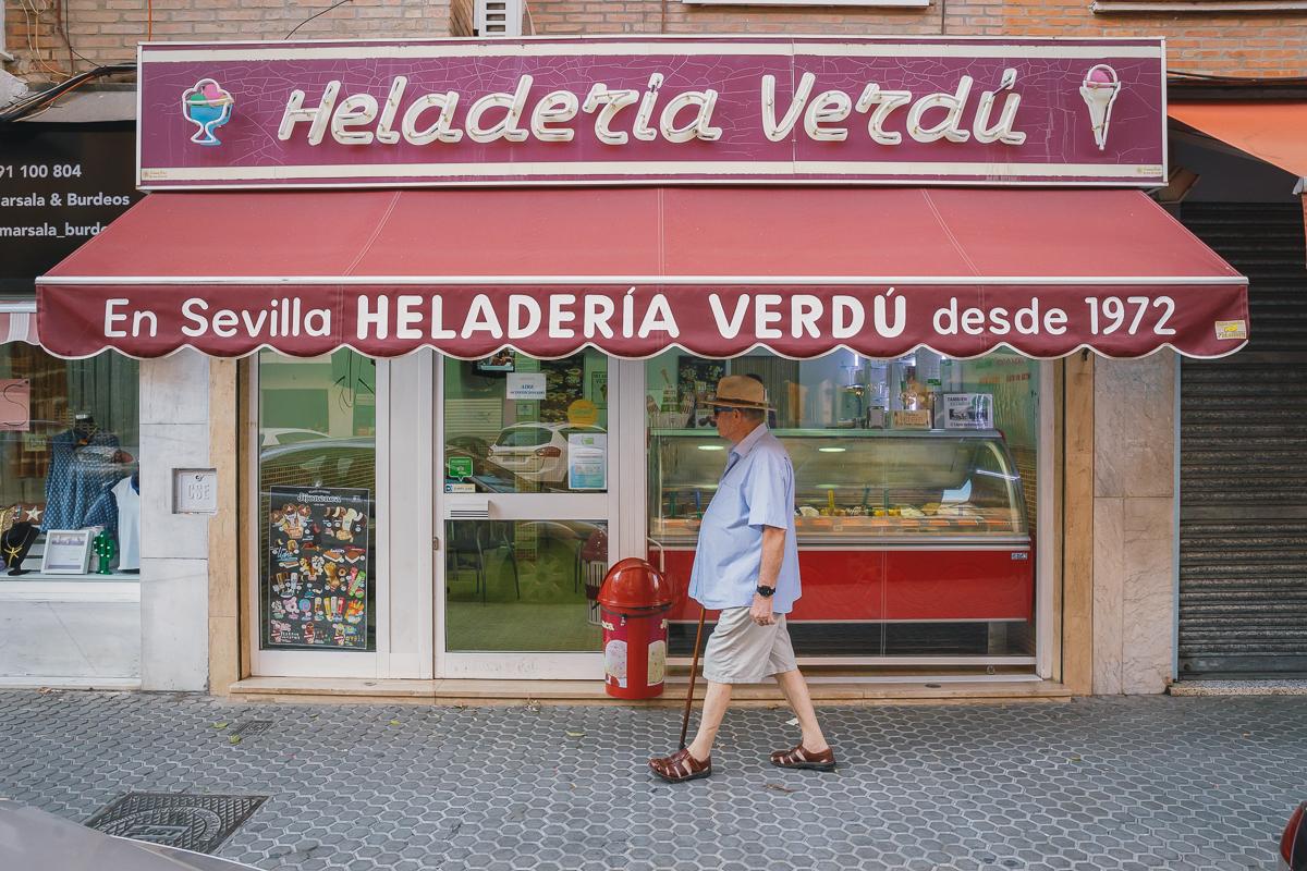 Fachada de una de las dos heladerías 'Verdú', fundada en 1972.