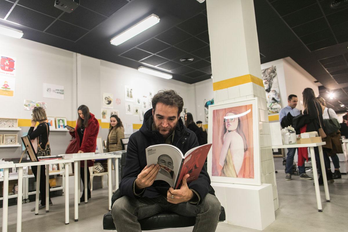 Los ilustradores valencianos protagonizan las obras de esta tienda.
