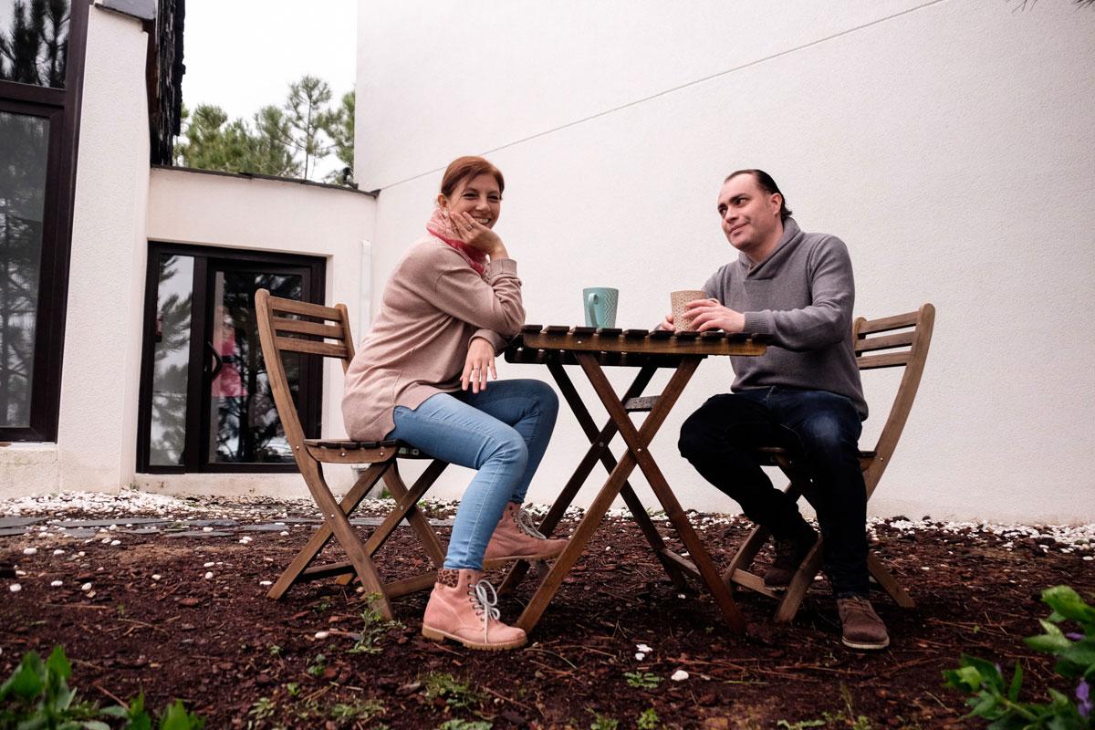 Flor Basualdo e Ignacio Paredes, dueños del alojamiento hurdano.