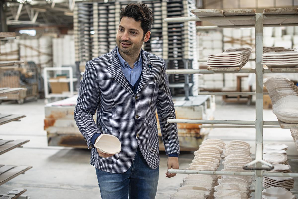Vajillas Pordamsa. Manel Puigemont hijo abandonó su profesión para dedicarse al negocio familiar.