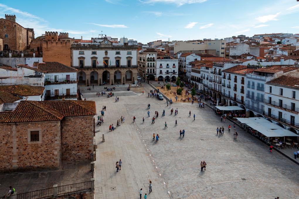Plaza Mayor de Cáceres. Foto: Jose Luis Vega (Shutterstock.com).