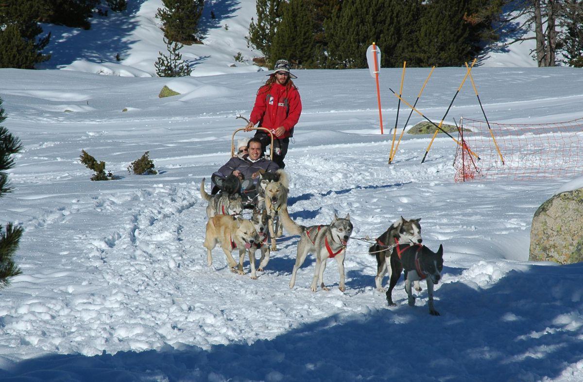 Otra forma de pasear por la nieve. Foto: Marga Estebaranz.