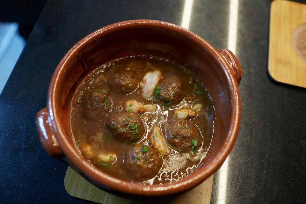 Las albondigas, o 'mandonguilles', son otro de los clásicos de 'Casa Leopoldo'.