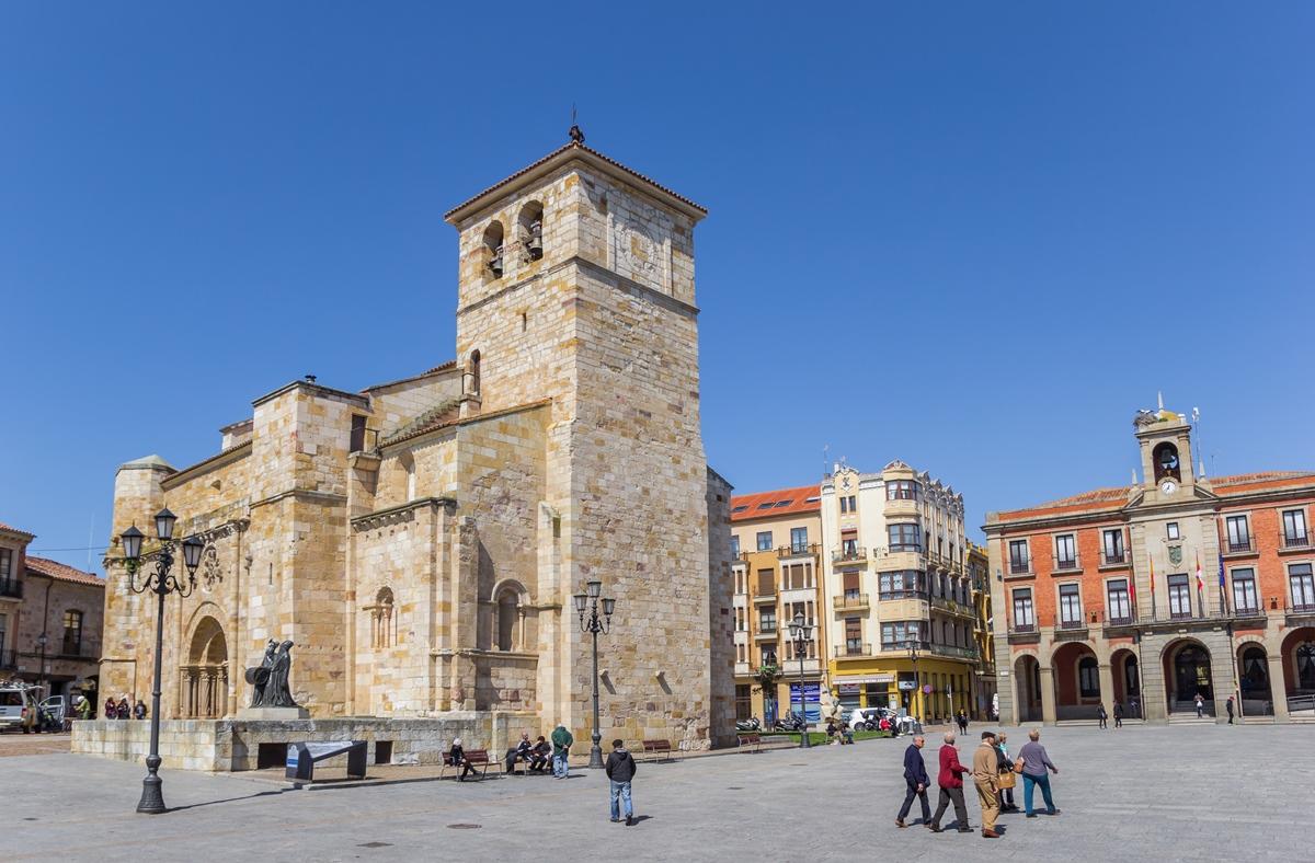 Iglesia de San Juan, en el caso histórico de Zamora. Foto: Shutterstock