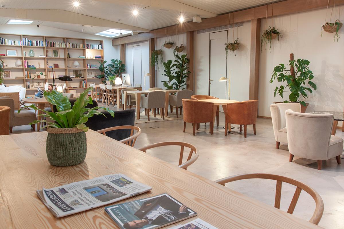 La sala Margot acoge eventos culturales y sirve como escenario para sesiones fotográficas.