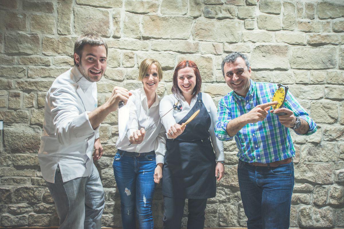 El equipo de cocina y coctelería del Turmalina Music & Wine Festival, con el chef Iñaki Andradas a la cabeza.