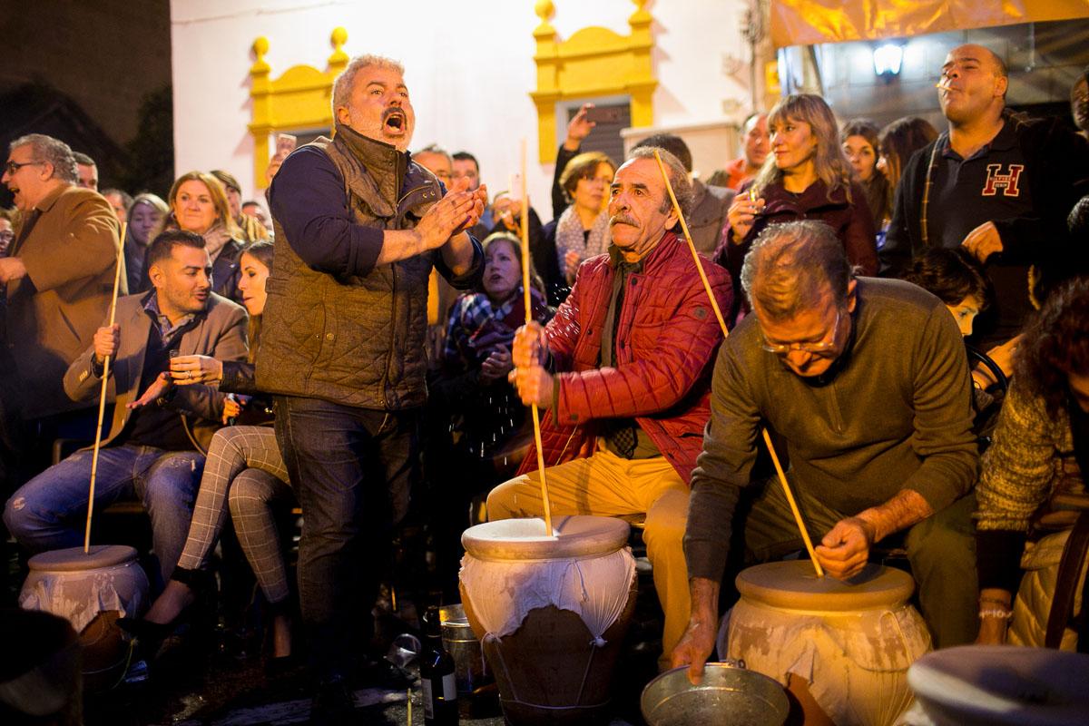 Como Decorar Una Zambomba De Navidad.La Zambomba Flamenca De Jerez De La Frontera Cadiz Guia