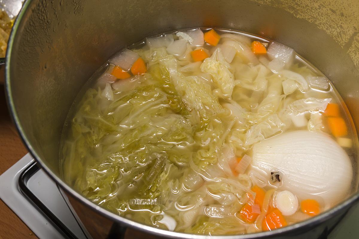 Así se hace la sopa de col de La Seu D'Urgell.
