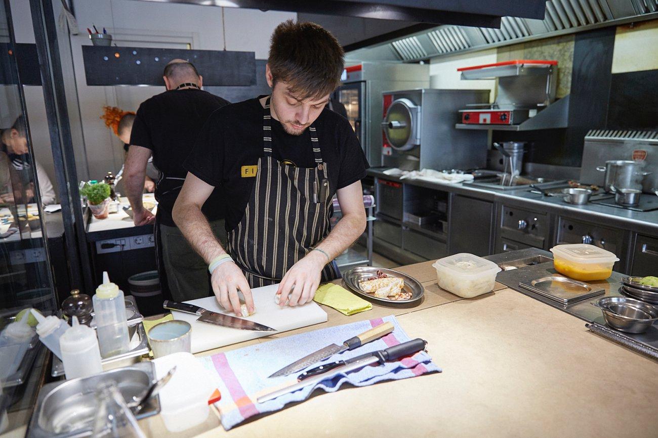 Hetta: trabajo en cocina