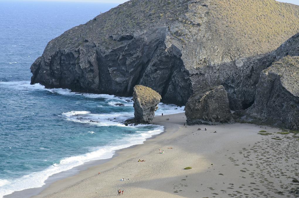 La Playa de los Muertos, en Carboneras. Foto: Shutterstock.