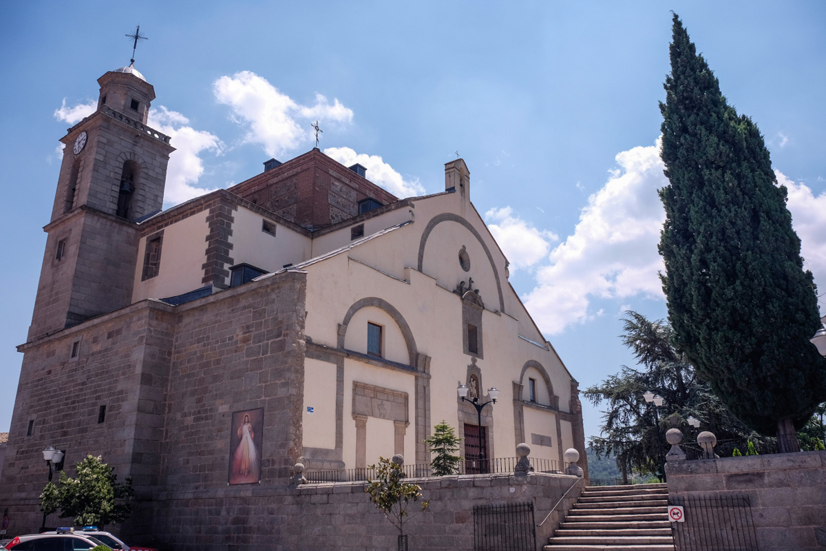 La Iglesia de San Martín Obispo, proyectada en el siglo VI, es uno de los encantos de San Martín de Valdeiglesias.